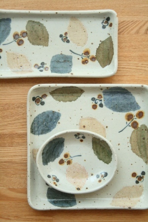 砥部焼・森陶房:六寸五分角皿/長板皿・小/楕円小皿〈木の葉〉