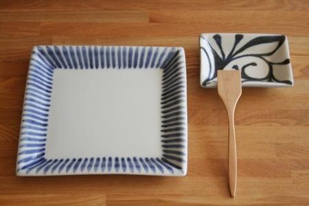 砥部焼・梅山窯:五寸五分角布目皿/角布目小皿