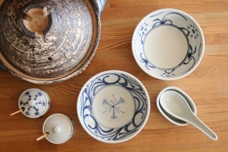 砥部焼・梅山窯:四寸七分平鉢、薬味入れ、受皿付きれんげ