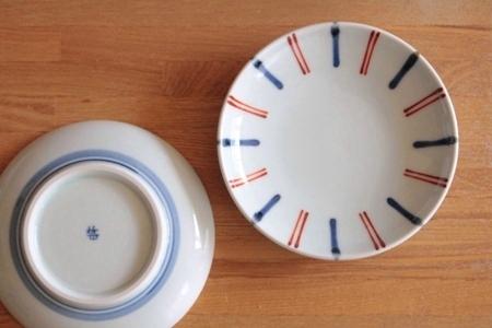 砥部焼・梅山窯:四寸六分丸皿〈呉須赤線〉