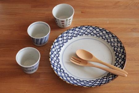 砥部焼・中田窯:そば猪口カップ・小、八寸縁付皿〈すずらん〉