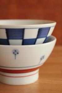 砥部焼・梅山窯:くらわんか茶碗・小〈たんぽぽ〉/〈市松〉