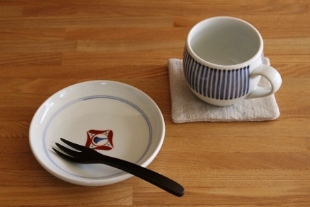 砥部焼・梅山窯:ミルクカップ/四寸六分丸皿