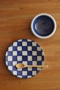 砥部焼・梅山窯:三寸玉縁鉢〈呉須巻〉/五寸丸皿〈市松〉