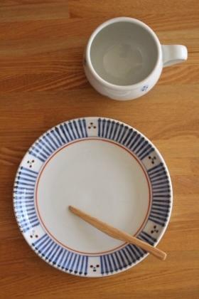 砥部焼・梅山窯:ミルクカップ/六寸切立丸皿
