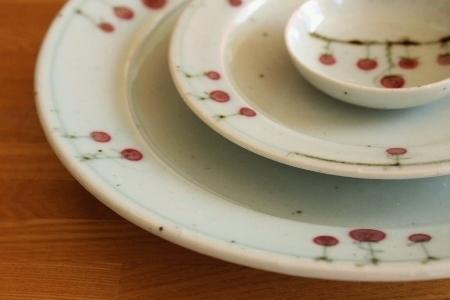 砥部焼・中田窯:八寸/五寸縁付皿、二寸五分小皿〈吊るし柿〉