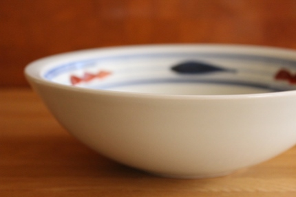 砥部焼・梅山窯:六寸鉢〈赤ペン〉