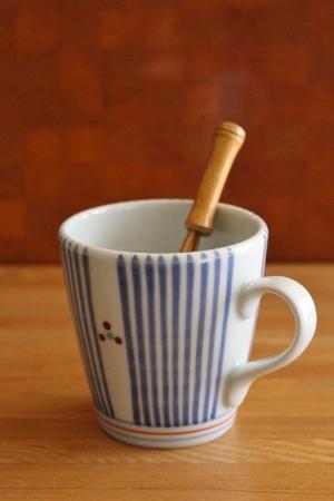 砥部焼・梅山窯:マグカップ〈十草三ツ文〉