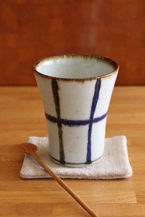 砥部焼・中田窯:フリーカップ〈呉須鉄格子