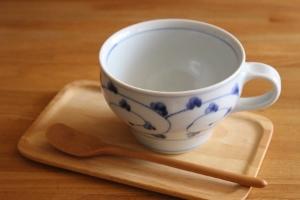 砥部焼・中田窯:スープカップ〈唐草〉