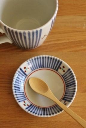 砥部焼・梅山窯:三寸小皿、マグカップ〈十草三ツ文〉