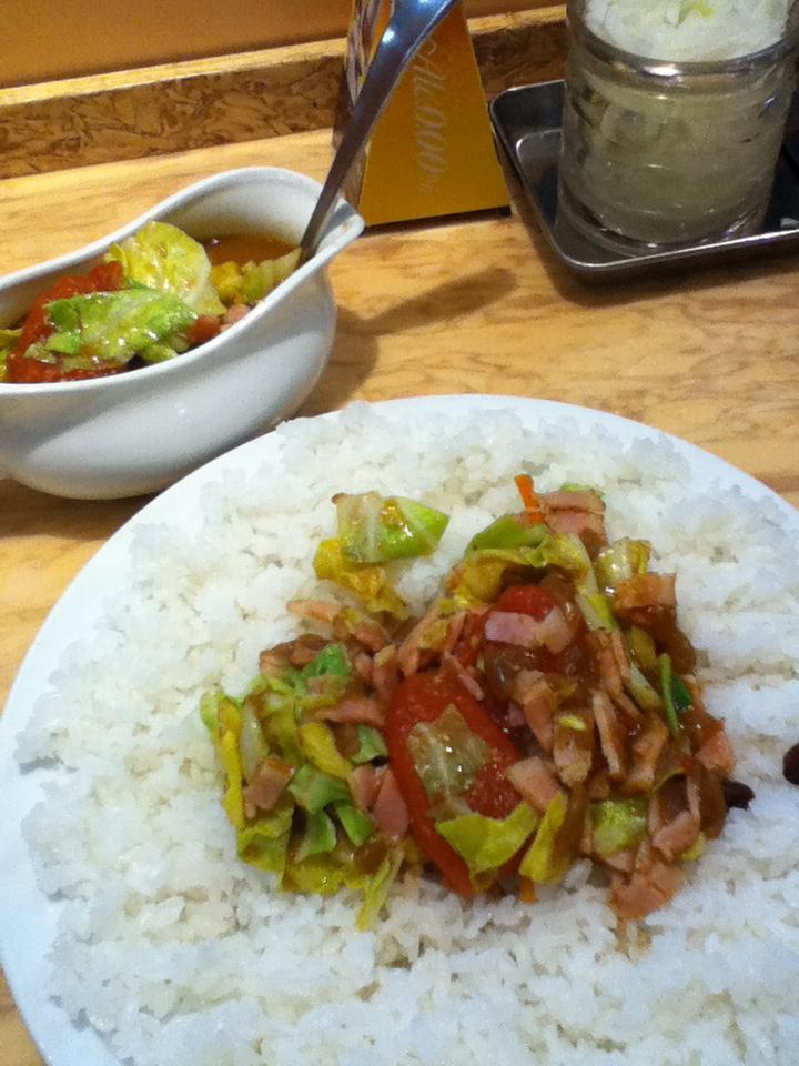ベーコン野菜トマトcurry 980円