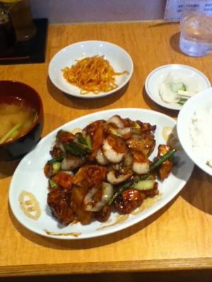 日替り定食 鶏肉と甘酢あんかけ炒め 750円