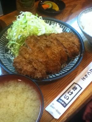 とんかつ定食 740円