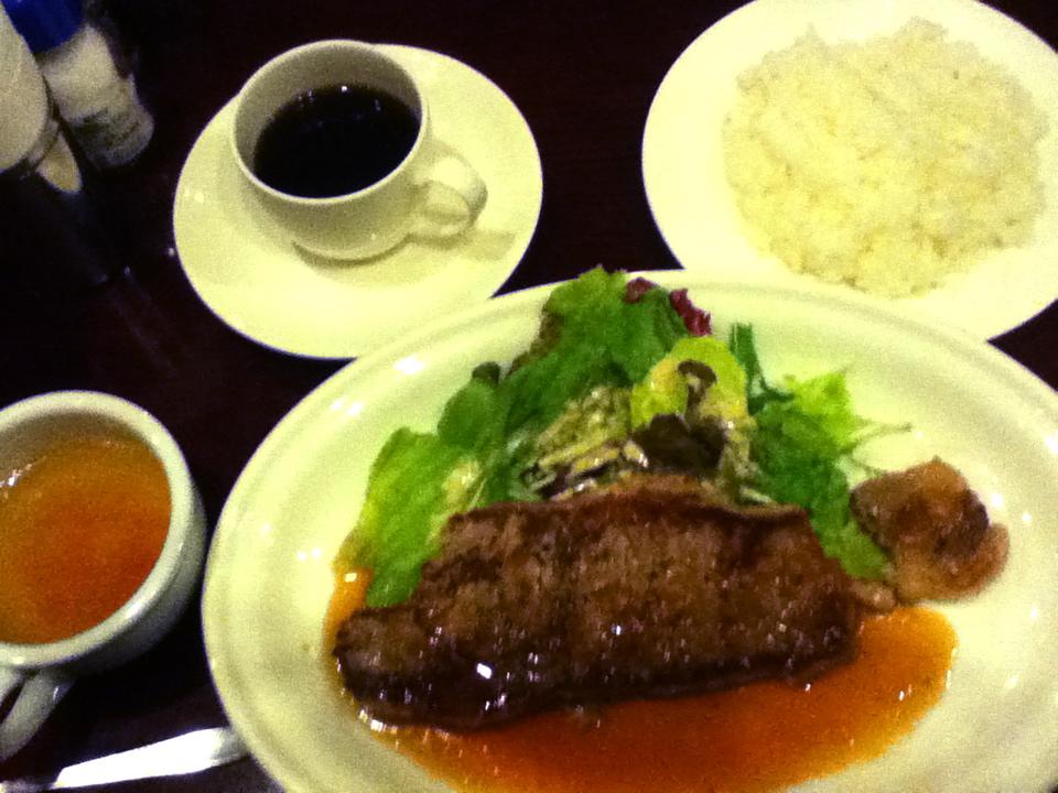 金曜ステーキランチ 1,050円→ 980円