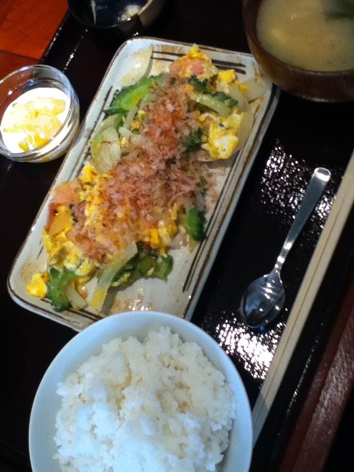 ゴーヤチャンプルー定食 800円