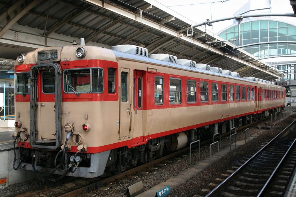 国鉄形最後の急行気動車キハ65