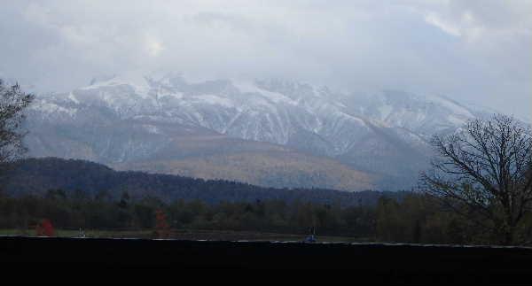 大雪の山並み