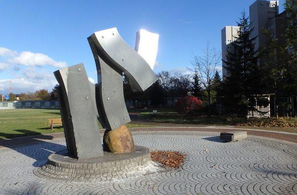 シンボル彫刻