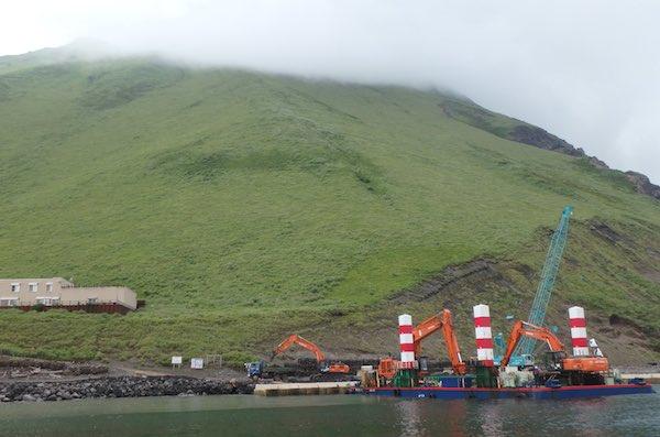 港内の作業