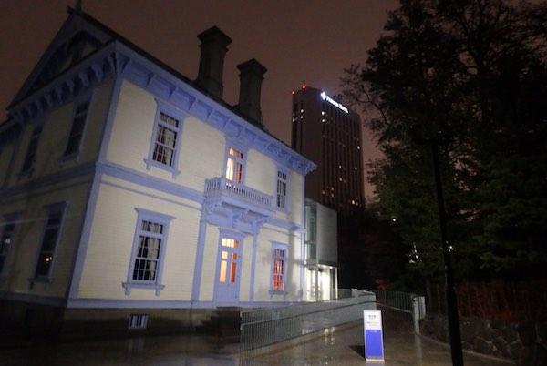 夜の豊平館