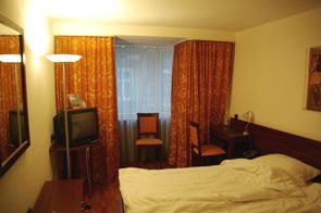 ホテルARTIS室内