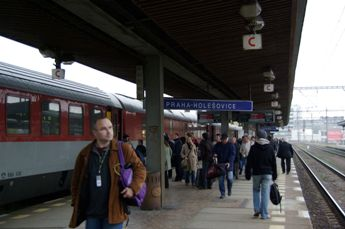PRAHA HOLESOVICE駅
