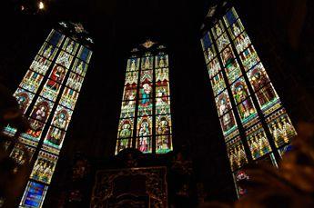 聖ヴィート大聖堂 ステンドグラス1