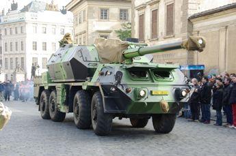 プラハ城前の大砲