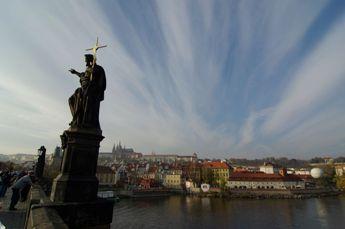 カレル橋よりプラハ城方面1029