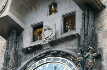 旧市庁舎の仕掛け時計