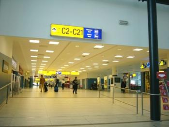 プラハ 空港内