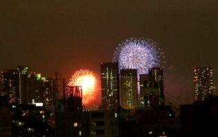 ベランダから東京湾花火2008年・1