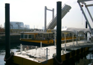 東京湾 水上バス「海舟」でクルーズ