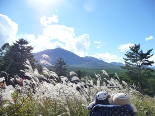 浅間山をバックに なまけ秋の風景