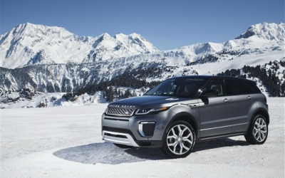 Land-Rover-Range-Rover-gray-SUV-in-snow-winter_m.jpg