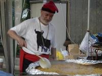 スペインの「フィデワ」を作るおじさん