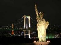 自由の女神入りの夜景