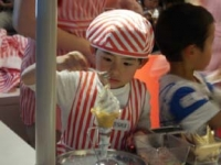 ソフトクリームを作りムーちゃん
