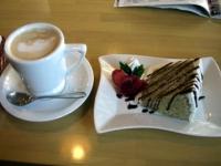 カフェラテと紅茶のシフォンケーキのセット