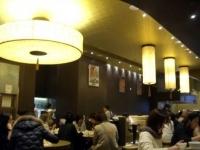 店内は日本人観光客でいっぱい