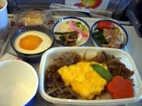 日本へ向かう便の機内食