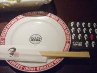 お皿に箸、コースターもアントニオ猪木!