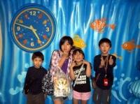 小学生の子供たち4人組