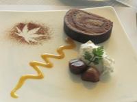 栗のロールケーキ