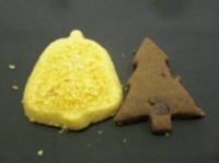ベルとツリーの形のクッキー