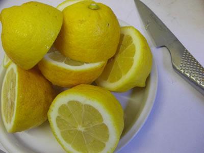 レモン(檸檬)の絞り方・その1