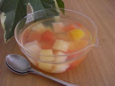 トロピカルフルーツミックスの缶詰で作ったフルーツゼリー