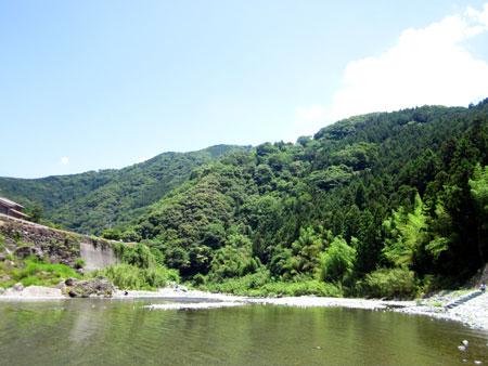 四国一キレイと言われる、穴吹川へ