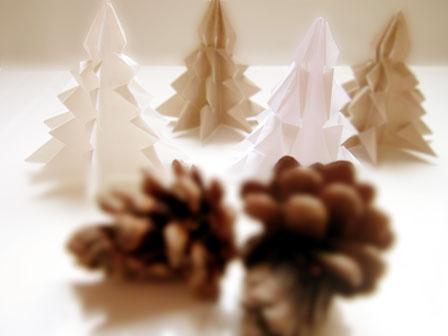 おりがみで作るクリスマスツリー